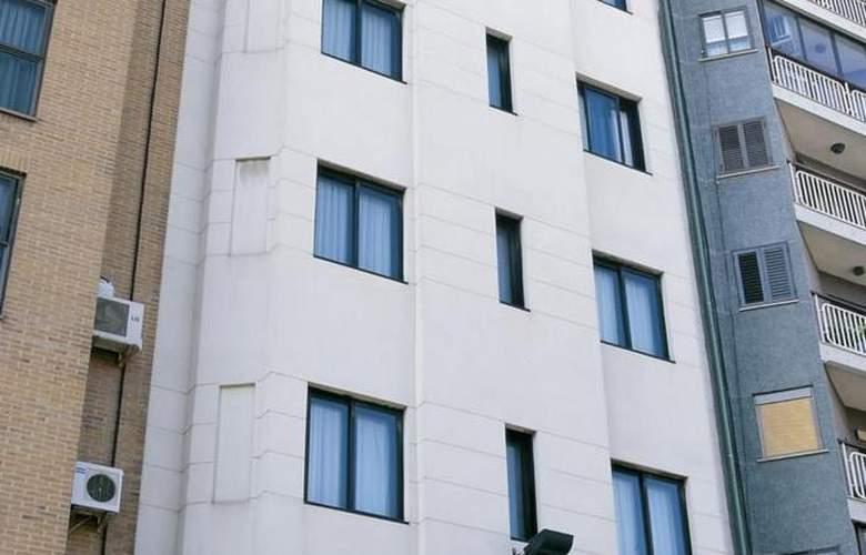 Villacarlos - Hotel - 0