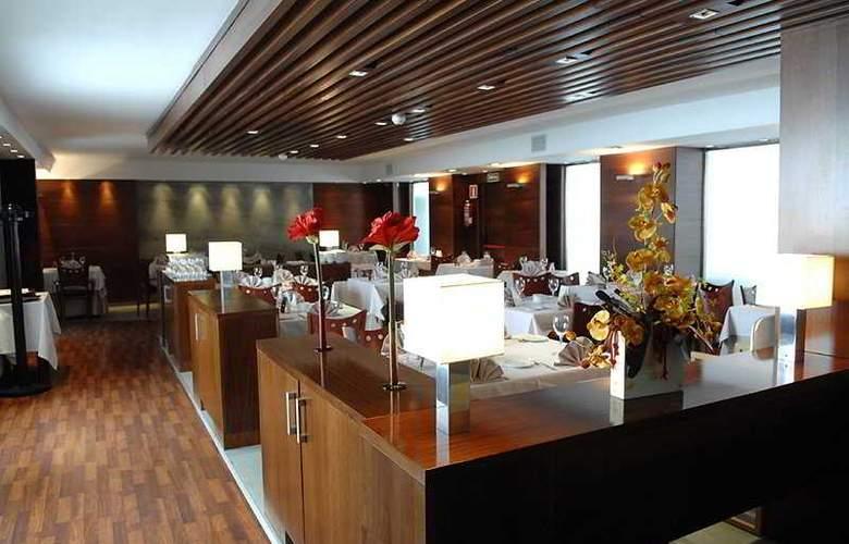President - Restaurant - 4