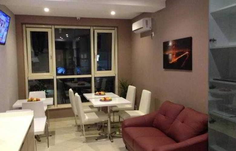 Center Rooms Oresti - Bar - 13