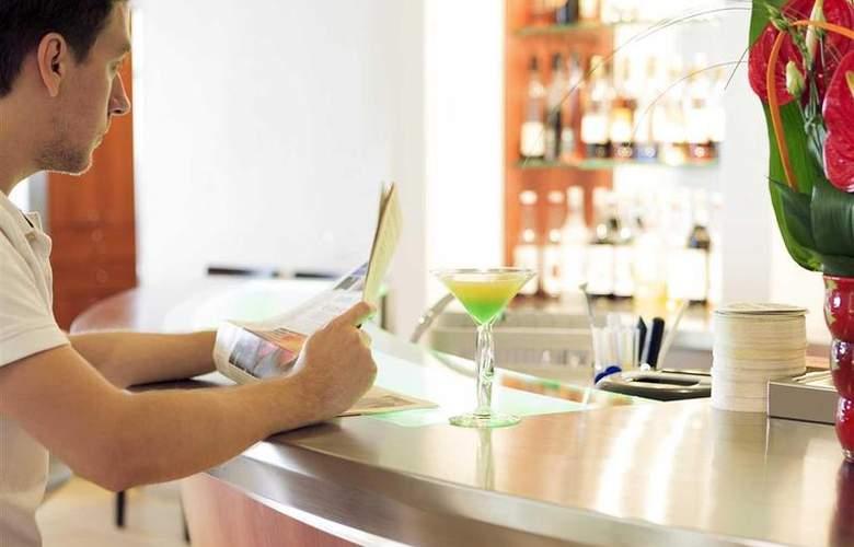 Novotel Amboise - Bar - 43