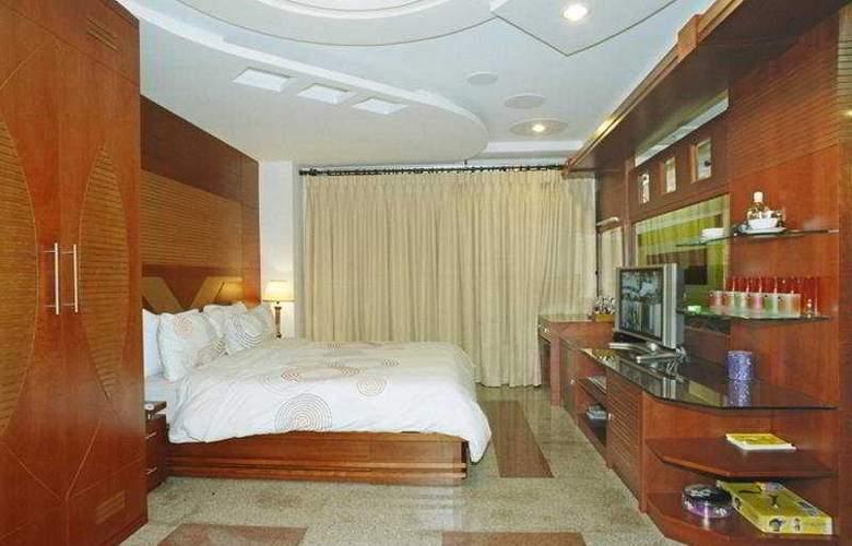 Hoang Gia Huy Hotel - Room - 2