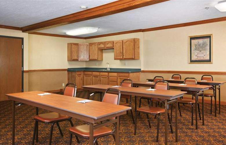 Best Western Plus North Canton Inn & Suites - Conference - 59