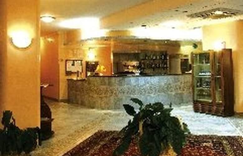 Hotel La Costa Smeralda - General - 1
