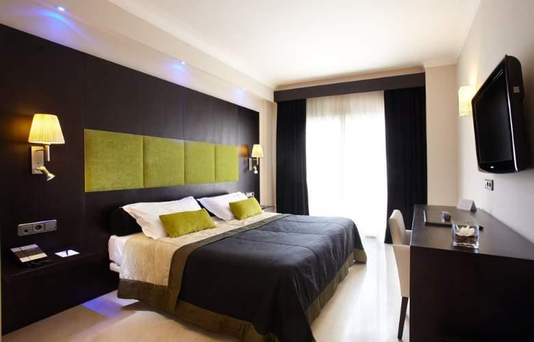 Saratoga - Room - 3