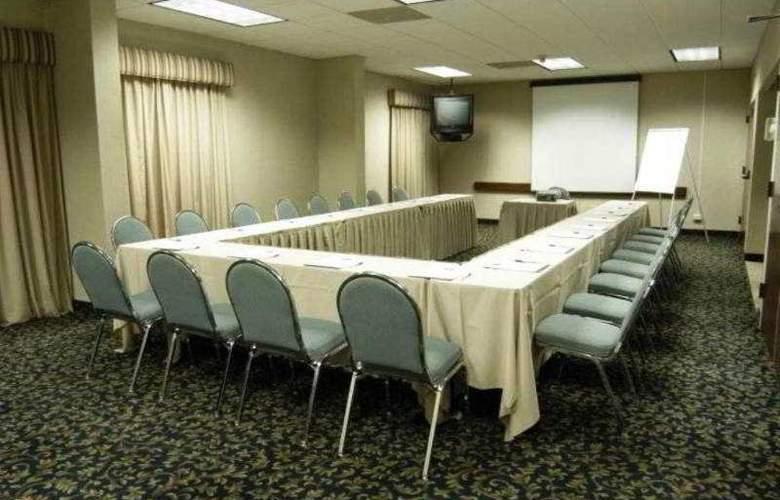 Hampton Inn & Suites Monterrey Norte - Conference - 27