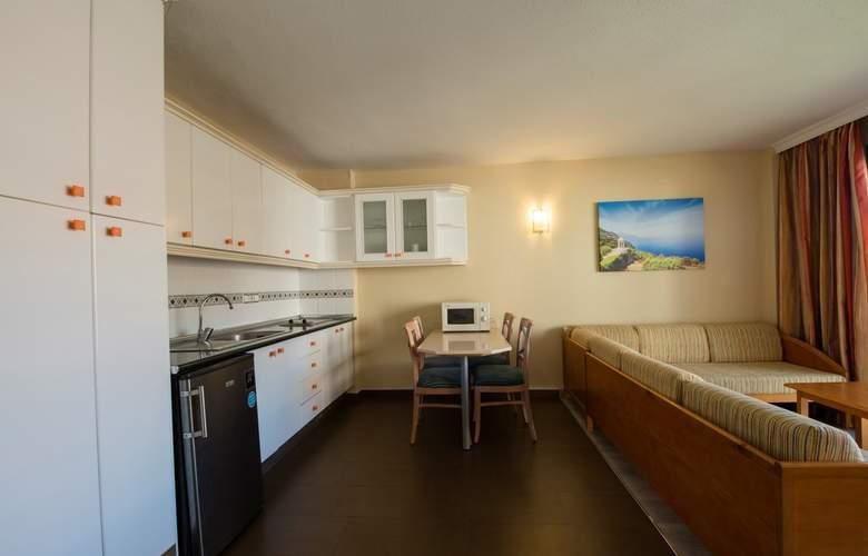 Helios Apartamentos - Room - 6
