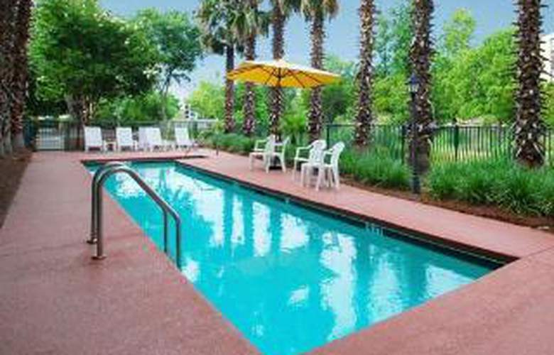 MainStay Suites - Pool - 5