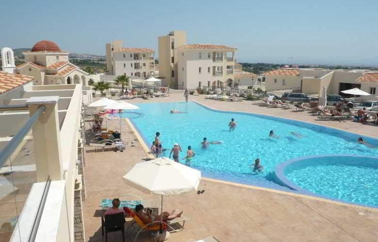 Club St George Resort - Pool - 27