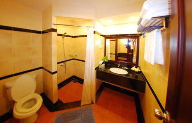 Pandanus Resort - Room - 8