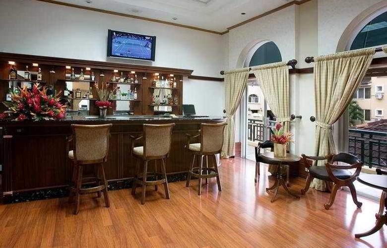 Apartotel & Suites Villas del Rio - Bar - 6