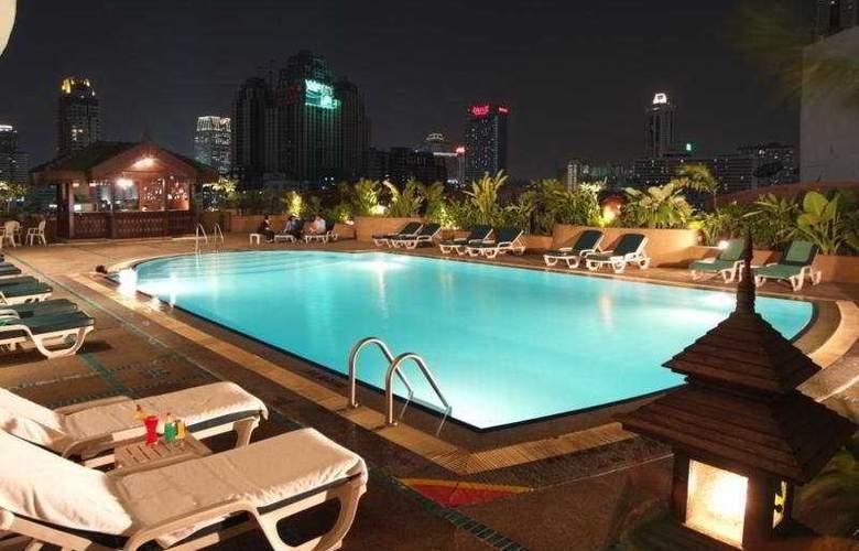 Ramada D' Ma Bangkok - Pool - 5