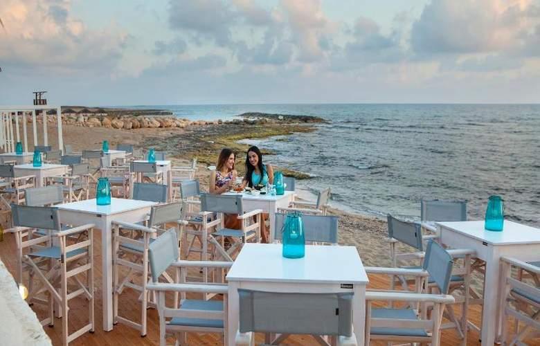Aquamare Beach Hotel & Spa - Bar - 15