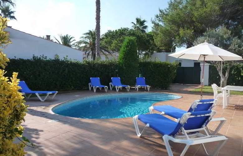 Villas Geisan - Pool - 2