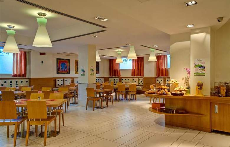 Best Western Globus - Restaurant - 61