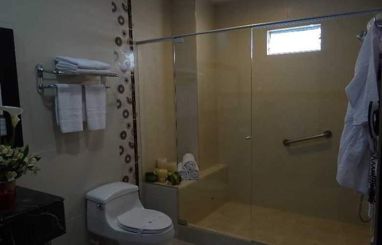 Varuna Hotel - Room - 11