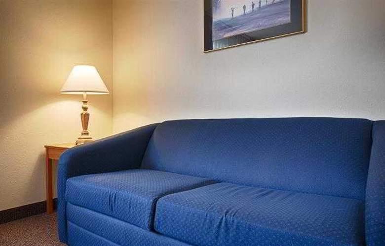 Best Western Plus Lincoln Inn - Hotel - 4