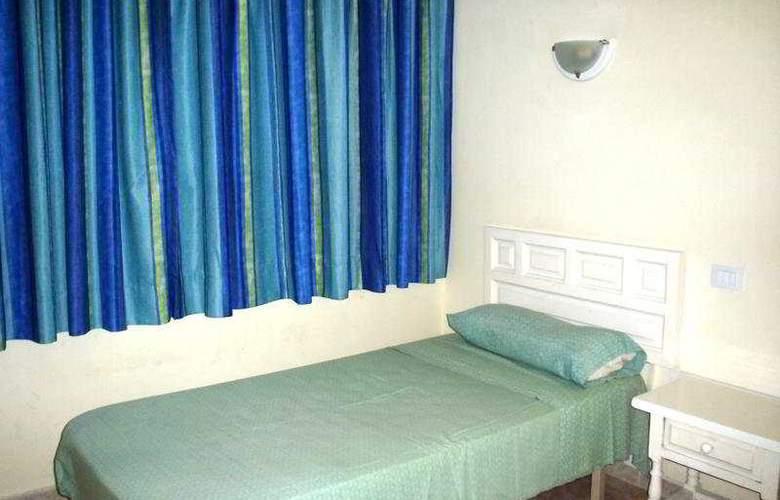 Strelitzias - Room - 3