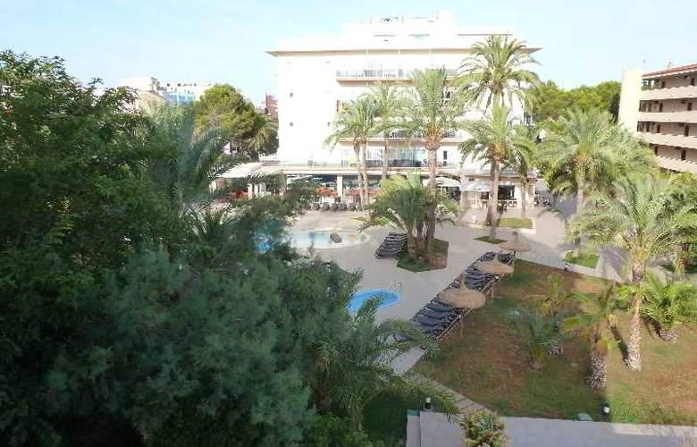 HM Ayron Park - Hotel - 1