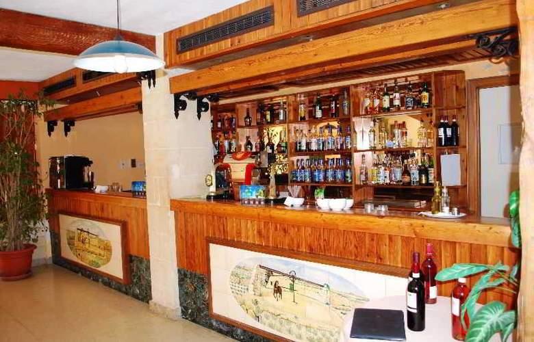 The Bugibba - Restaurant - 35