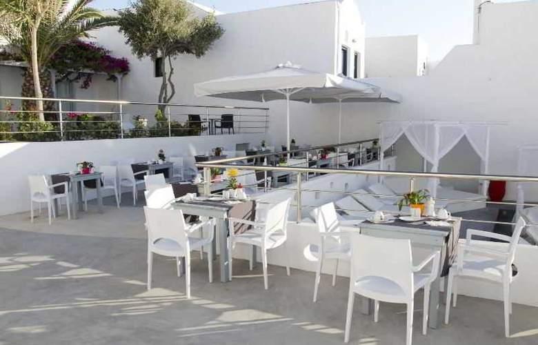 RK Beach hotel - Hotel - 9