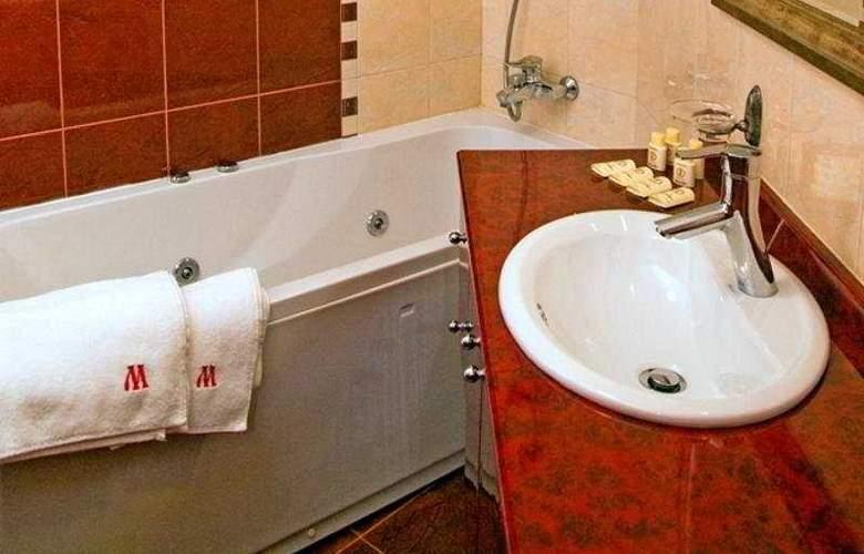 Maxim - Room - 8