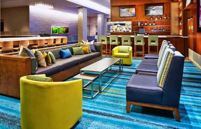 SpringHill Suites Anaheim Resort Convention Cntr - Bar - 7