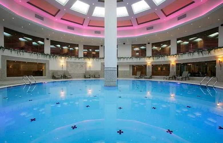 Mercure Hotel - Pool - 6