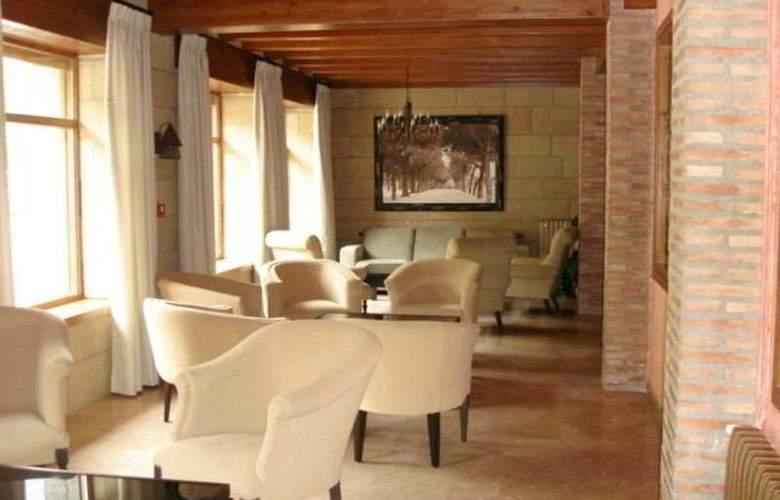 Villa de Canfranc - Hotel - 0