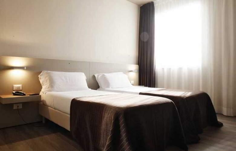 Euro Hotel Roma Nord - Room - 4