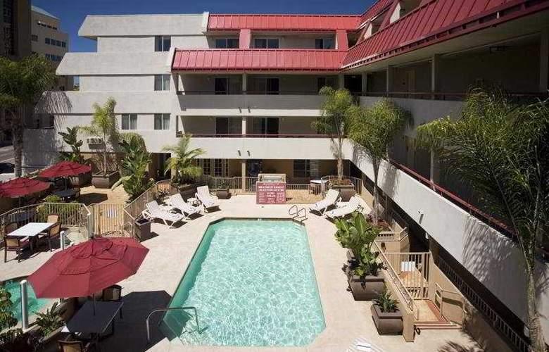 Sommerset Suites San Diego - Pool - 6