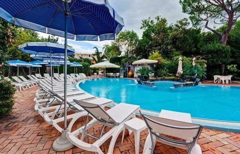 Best Western Regina Palace Terme - Hotel - 11