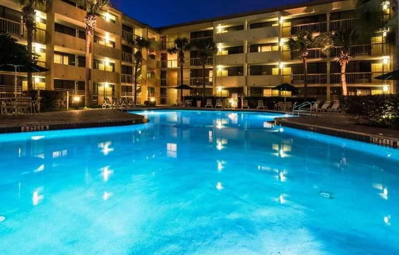 La Quinta Inn - Pool - 18