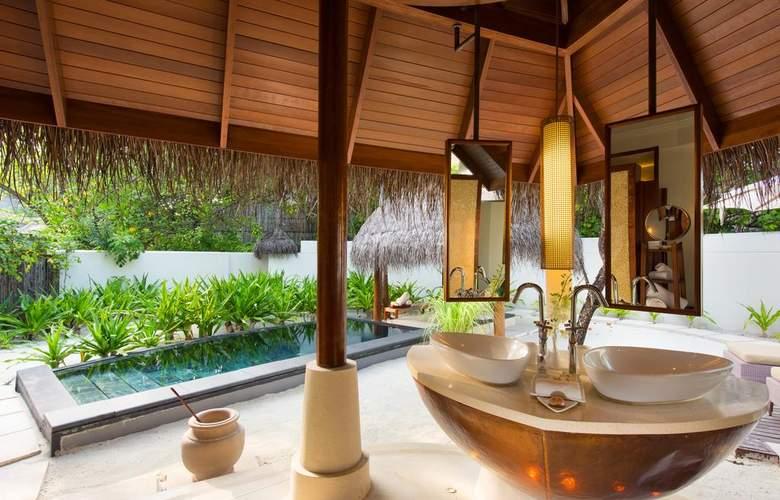 Constance Halaveli Resort - Hotel - 7