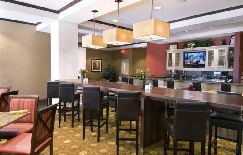 Hilton Garden Inn Airport North - Restaurant - 12