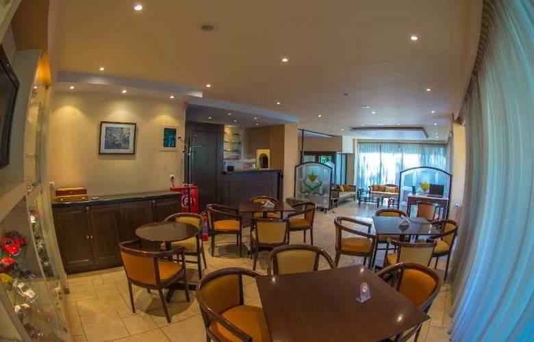 Hotel Chris - Bar - 3