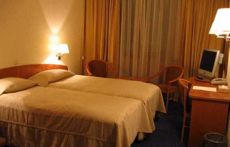 Ambassador - Room - 2