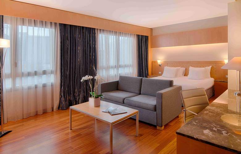 NH Collection Genova Marina - Room - 8