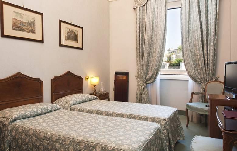 Exe Della Torre Argentina - Room - 11