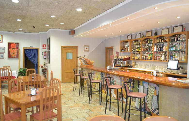 Gran Hotel Toledo - Bar - 7