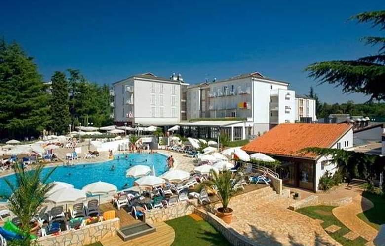 Pinia Residence - Pool - 4