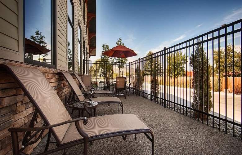 Best Western Ivy Inn & Suites - Terrace - 89