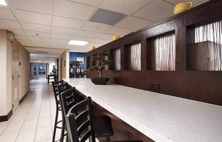 Berkshire Hills Inn & Suites - Hotel - 52