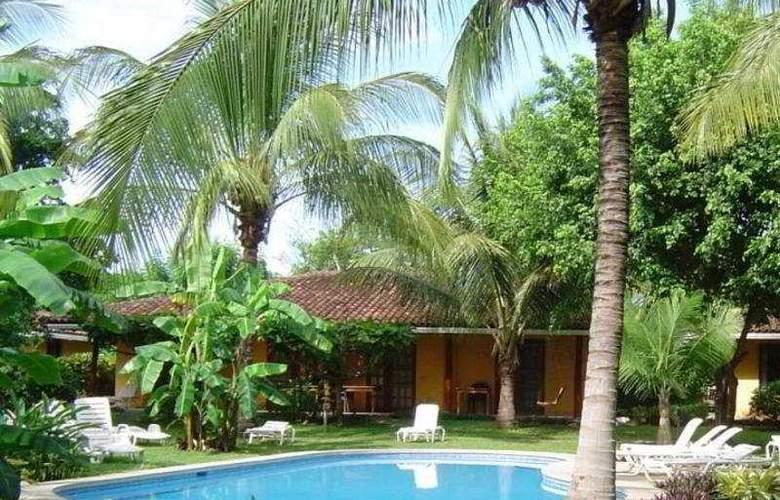 Bahia Esmeralda - Pool - 3