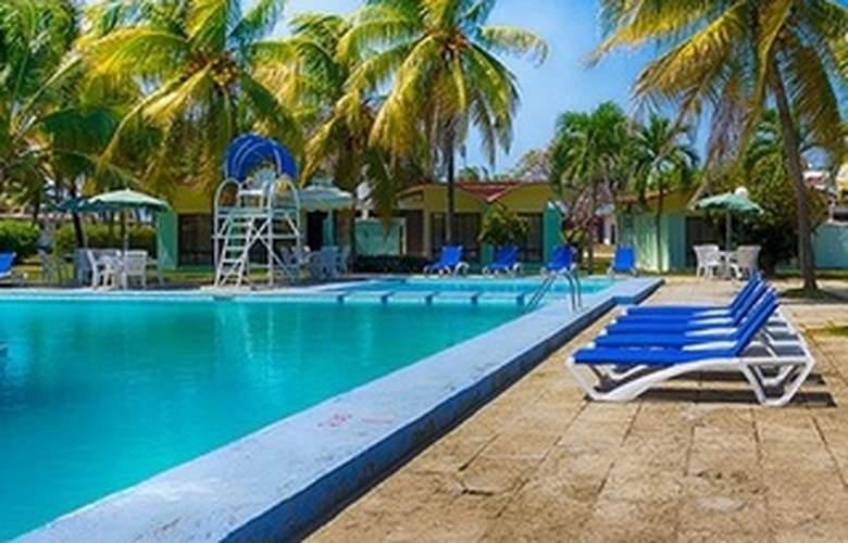 Villa Bacuranao - Pool - 11