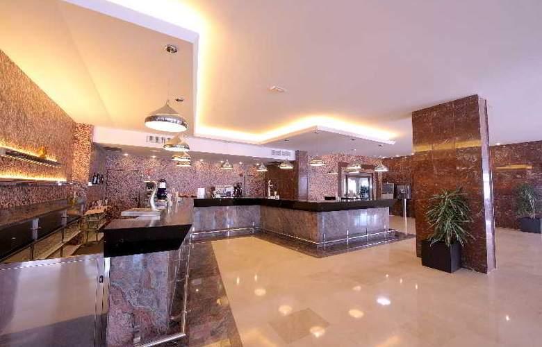 Sirenis Hotel Club Goleta & Spa - Bar - 29