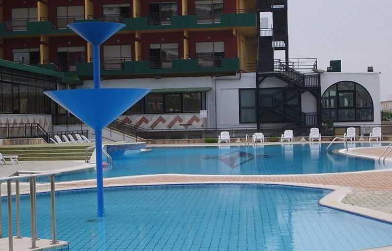 Gran Hotel Pinetamare Club Resort - Pool - 4