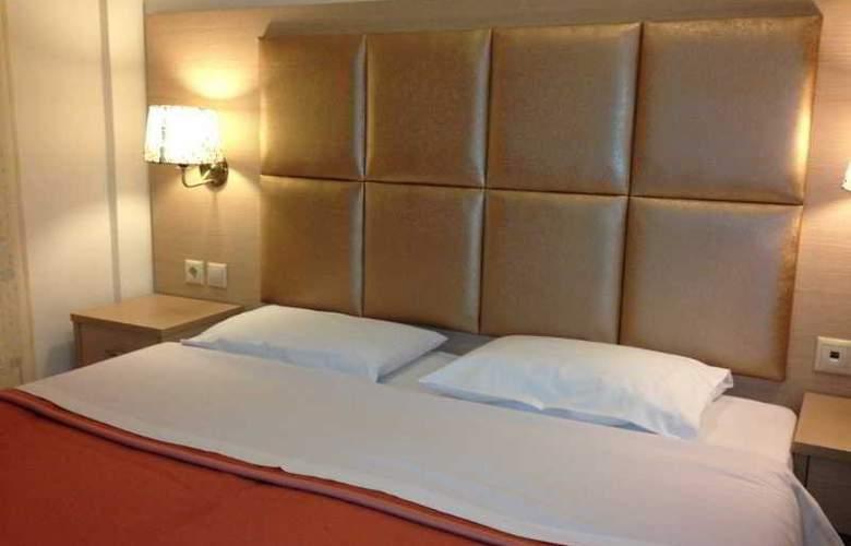Hotel Avra - Hotel - 3