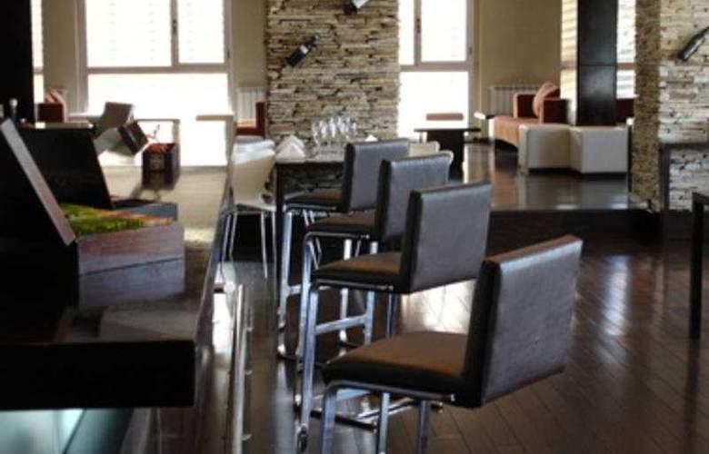 Dazzler Bariloche Hotel - Bar - 3