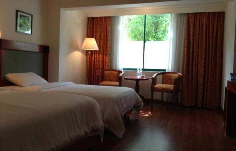 Imperial Garden Villa & Hotel Phnom Penh - Room - 15