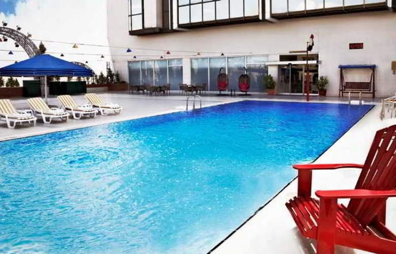 Seyhan - Pool - 3
